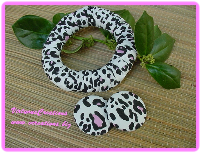 Bracelet & Button Earring Set-White, Black & Pink Camouflage